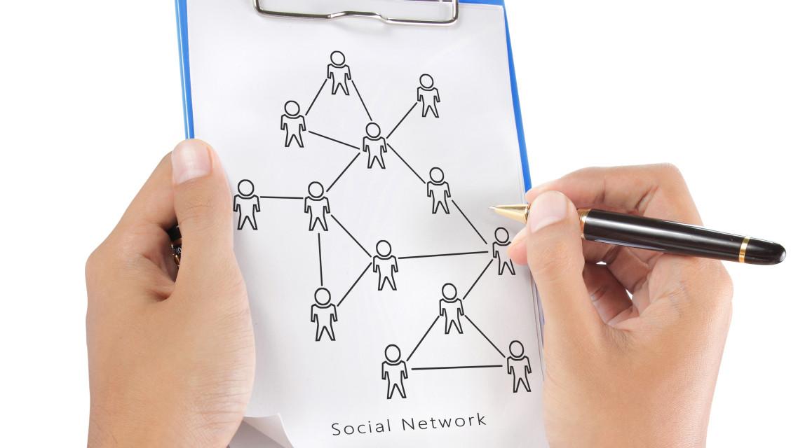 On, czy off, czyli o synergii działań w sieci i poza nią